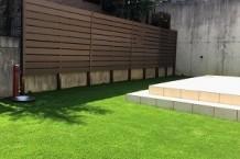 庭、人工芝