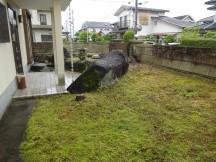 元々は和庭だった土が盛り上がったお庭。