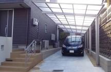 半透明の屋根をおすすめしました。