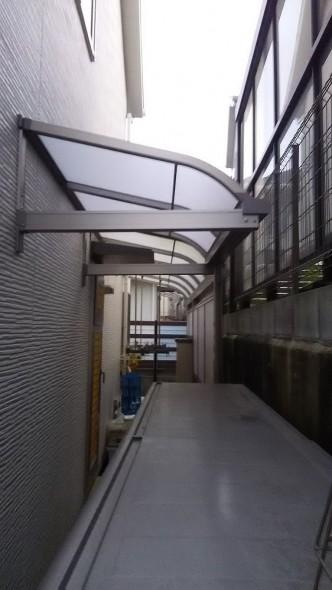 取付できる屋根を検討。
