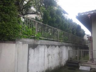 既存のフェンスも少し古くなってきていました。