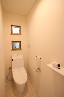 トイレも明るくリフォーム
