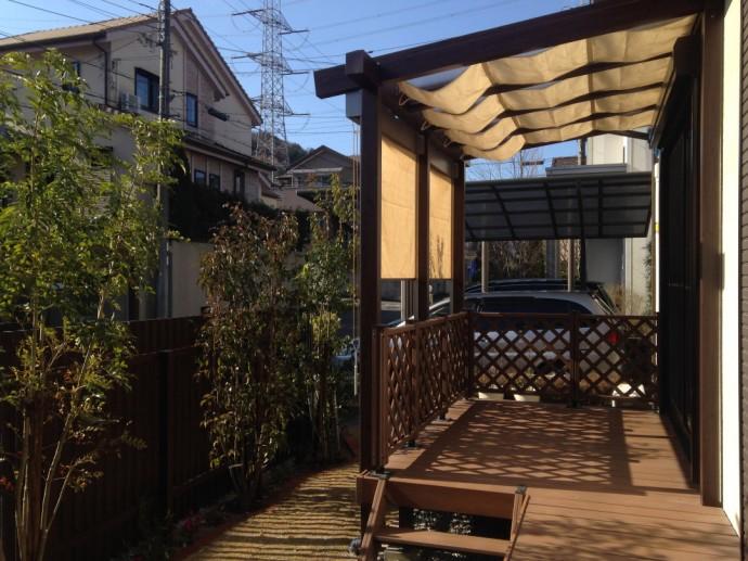 タカショーのパーゴラ風テラス屋根でお庭を更に快適に。